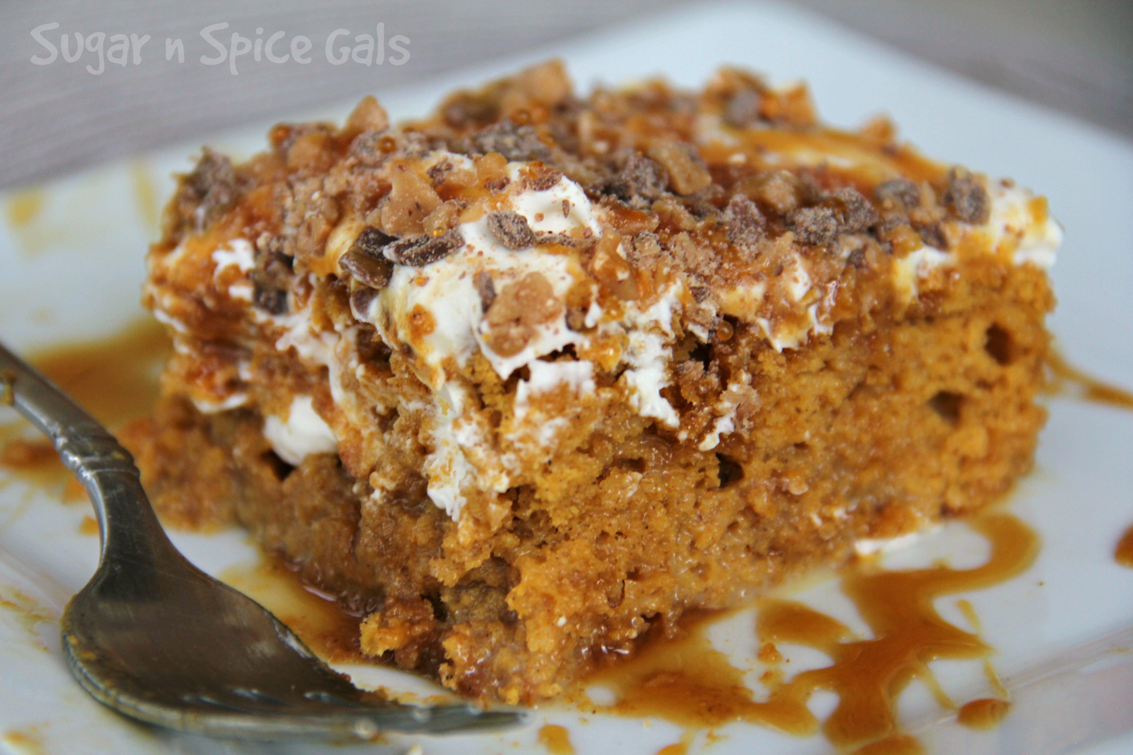 pumpkin-poke-cake