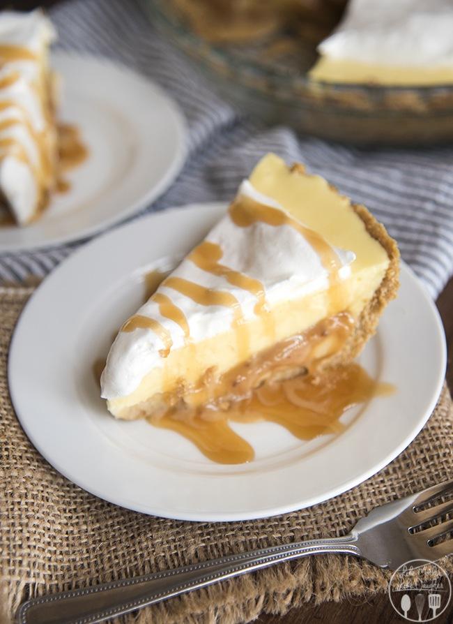 caramel-banana-cream-pie-8